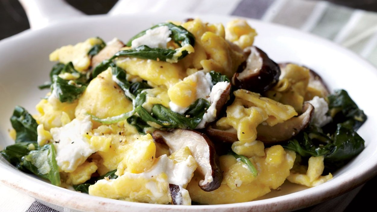 Scrambled Eggs With Shiitake Mushrooms & Spinach